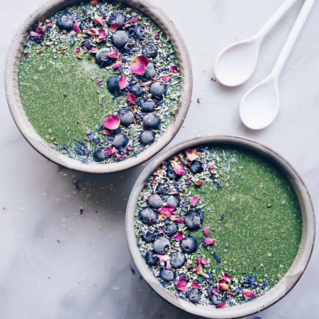 LowFODMAP matcha smoothie bowls what up!? Working on finding myhellip
