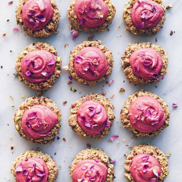 PISTACHIO THUMBPRINT COOKIES WITH ROSE CASHEW CREAM!  The recipehellip