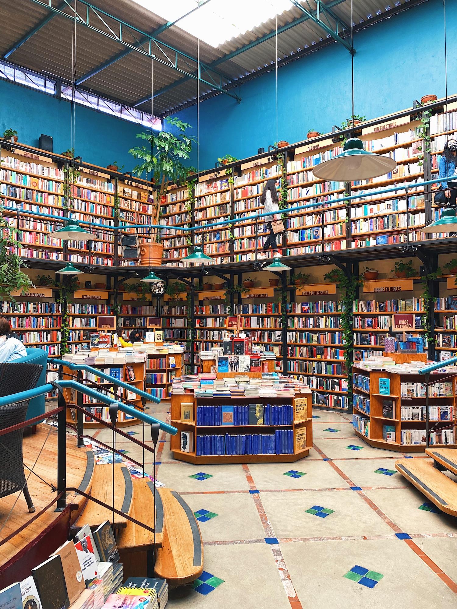 wu-haus-mexico-city-guide-pendulo-books